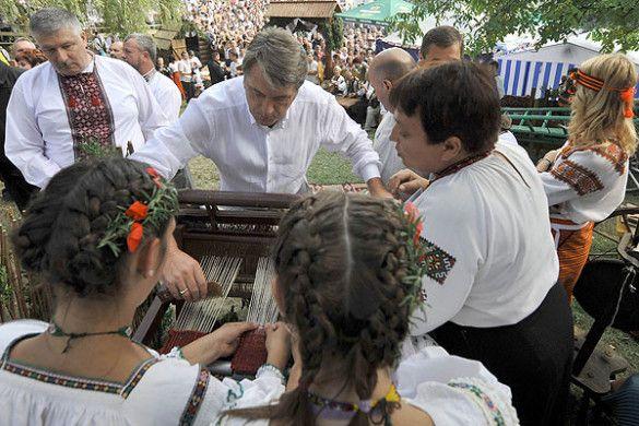 """Віктор Ющенко на ярмарку """"Гуцульська бринза"""""""