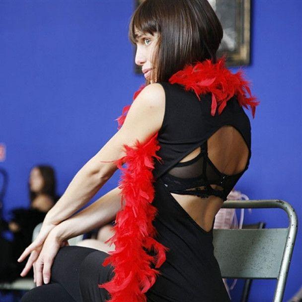 В Парижі відкрили школу стриптизу