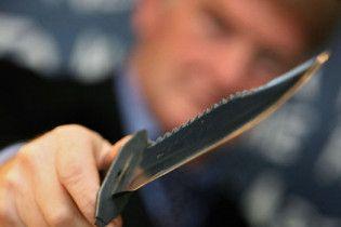 У Києві п'яний росіянин, погрожуючи ножем, примусив киянина возити його містом