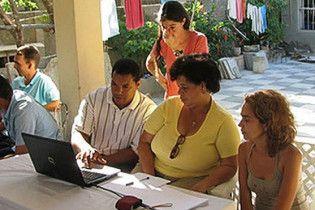 На Кубі дозволили вільно користуватися Інтернетом