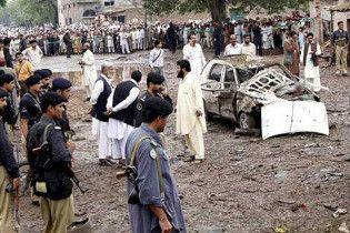 Дванадцять людей загинули від вибуху в Пакистані