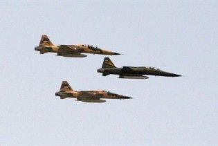 В результаті аварії військового літака під час параду в Ірані загинули 7 людей