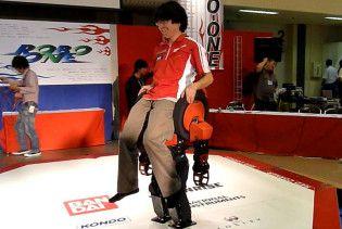 На змаганнях роботів у Японії переміг андроїд-ходяче крісло