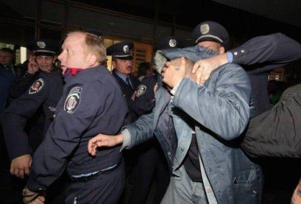 Спікер ВР Криму заявив, що його ледь не побили обкурені та п'яні молодики