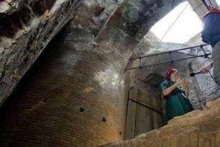 """Археологи відкопали в центрі Риму вітальню Нерона, яка """"обертається"""""""