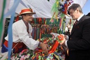 Запорізький губернатор придбав Ющенку рушник за 2500 гривень