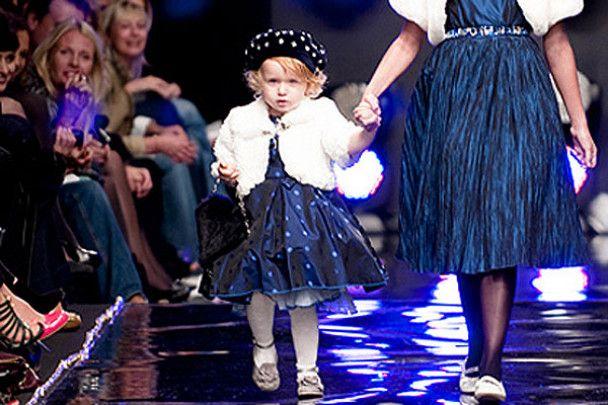 Дворічна донька Кільчицької вийшла на подіум