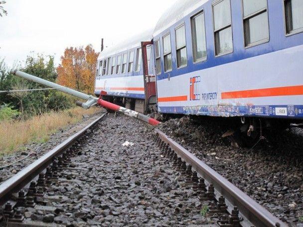У Польщі п'яний машиніст пустив під укіс потяг та втік до лісу