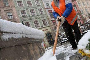 Через снігопади на Півдні України ДАІ перекрила рух на трасах