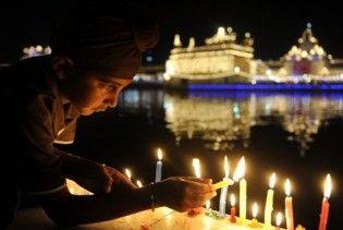 При пожежі на складі феєрверків в Індії загинули понад 30 людей
