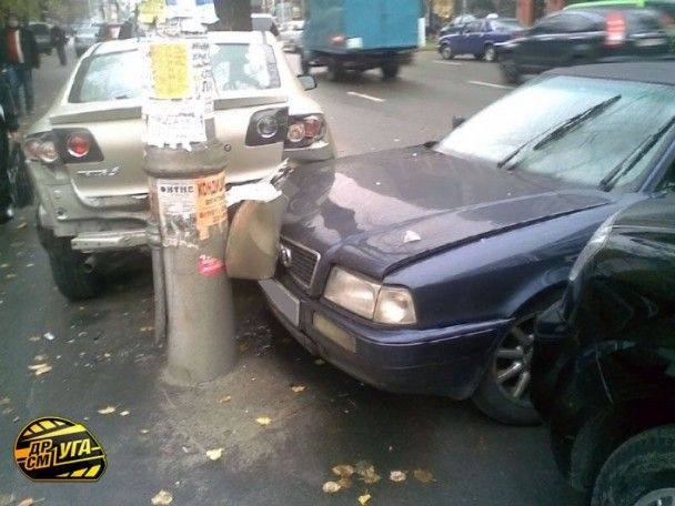 У Києві зіткнулися сім машин