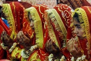 Весільний кортеж підірвався на міні у Пакистані: 15 жертв