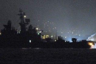 Біля берегів Японії зіткнулися есмінець і контейнеровоз