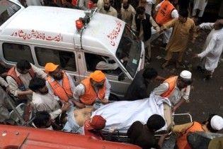 Кількість жертв вибуху в Пешаварі продовжує зростати: 105 загиблих