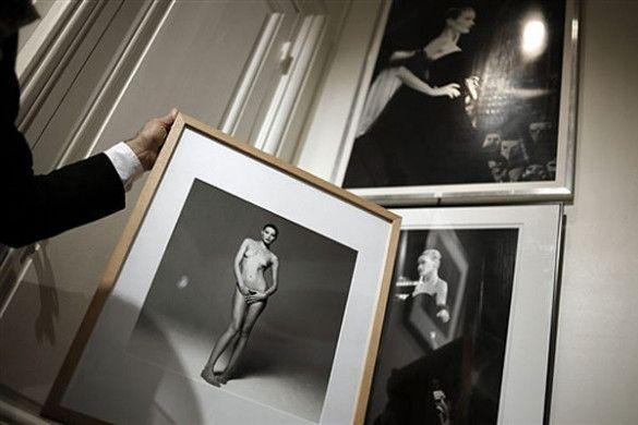 Фото оголеної Карли Бруні-Саркозі в галереї