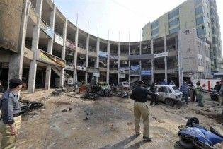 Масштабний теракт біля готелю в Пакистані: більше 25 жертв