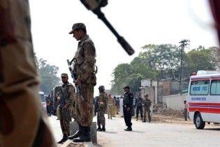 У результаті теракту в мечеті у Пакистані більше 80 загиблих і поранених