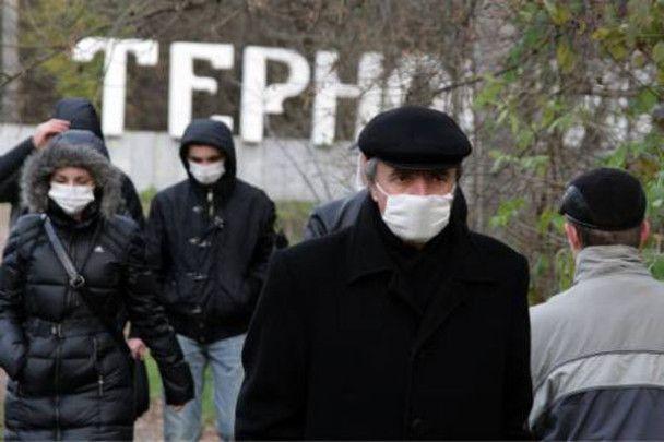 """Свиняче """"маски-шоу"""" в Україні"""