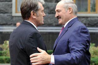 Лукашенко та Ющенко готові шити марлеві пов'язки