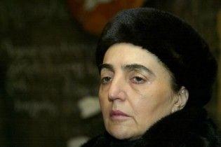 Вдова першого президента Грузії намагалася розкопати його могилу