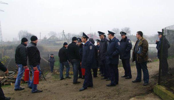 """На Одещині селяни """"пішли в бій"""" проти будівництва ЛЕП"""