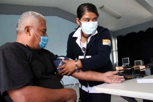 У Мексиці починається загальна вакцинація проти свинячого грипу