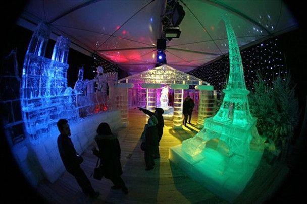 Льодова казка у Парижі