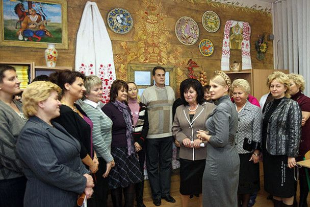 Тимошенко у школі перевірила батареї