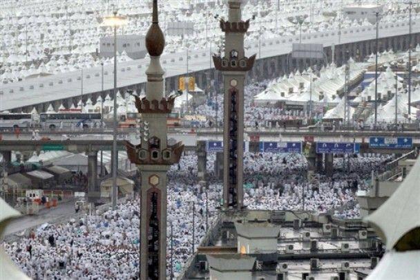 Кількість жертв повені в Саудівській Аравії зросла до 83