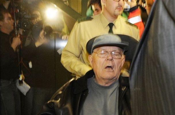 Захист Дем`янюка представив його жертвою Голокосту