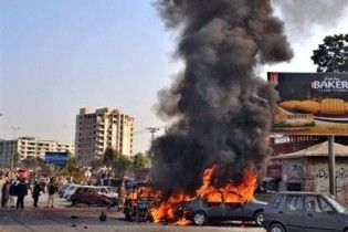 В результаті вибуху біля суду в Пакистані загинули п'ять людей