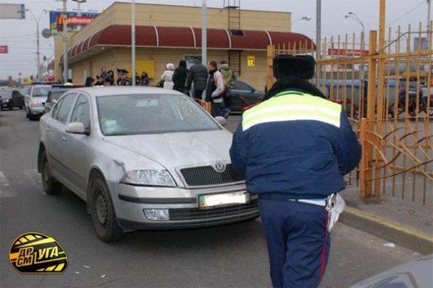 У Києві працівник банку збив на зебрі чотирьох школярів