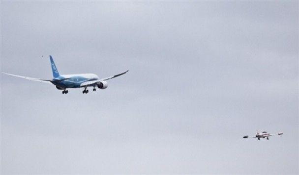 """""""Лайнер мрії"""" Boeing-787 здійснив свій перший політ"""