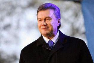 Янукович на могилі Шевченка процитував Івана Буніна