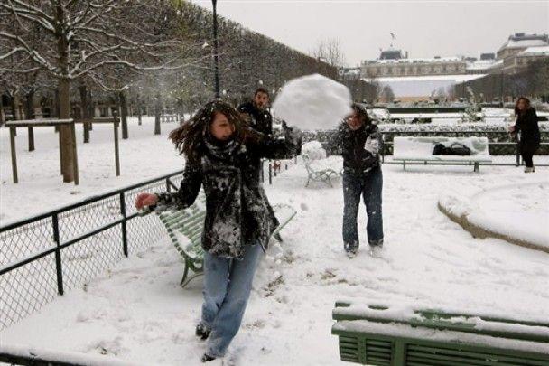 Від снігопадів та морозів у Європі загинули 50 людей