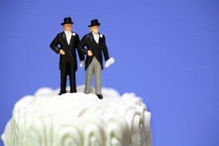 У Мехіко легалізували одностатеві шлюби