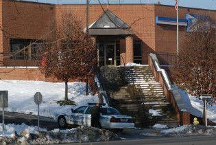 У США озброєний чоловік захопив заручників у будівлі пошти