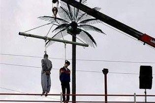В Ірані натовп врятував з петлі засуджених до смерті (ВІДЕО)