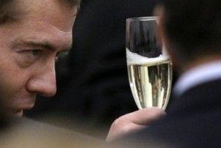 Мєдвєдєв привітав Ющенка з Новим роком