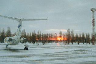 """Під час посадки у """"Борисполі"""" ще один літак винесло за межі смуги"""
