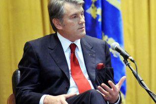 Ющенко порадив журналістці їхати в Москву з її запитаннями