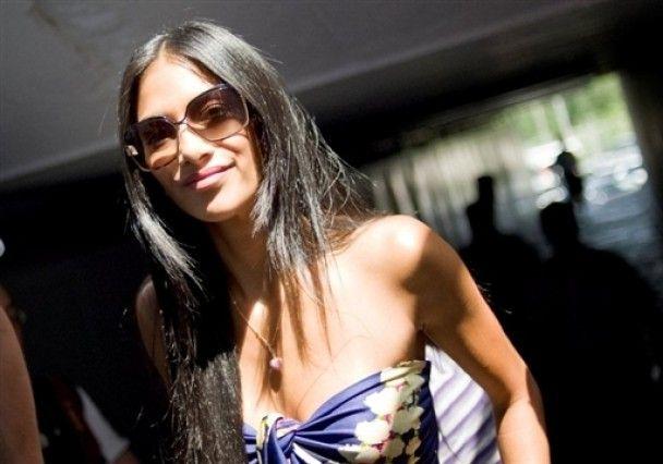 Льюіс Хемілтон розлучився з вокалісткою Pussycat Dolls
