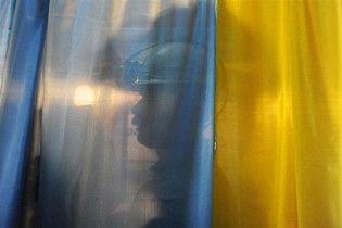 На Київщині чоловік підпалив кабінку для голосування, бо захотів у Голівуд