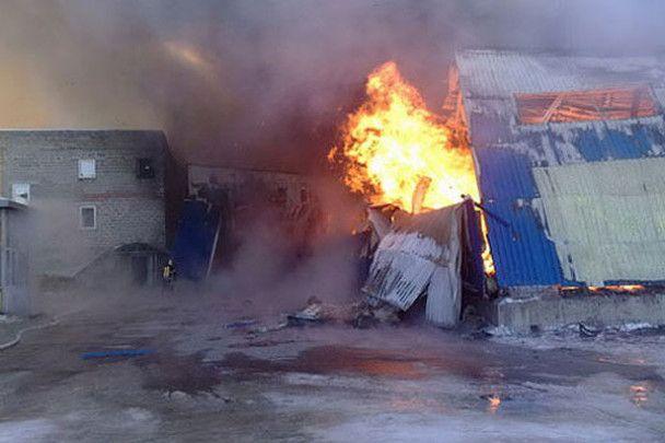 На місці пожежі луганського комбінату знайдене обгоріле тіло