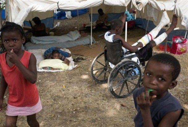 На Гаїті після 14 днів під завалами вижили чоловік та дівчинка