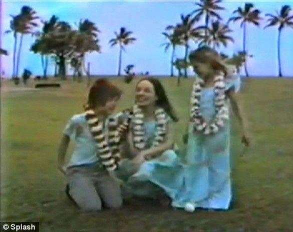 Анджеліна Джолі з мамою та братом