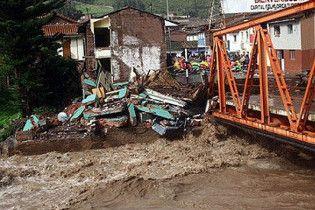 Зливи в Перу продовжують вбивати людей