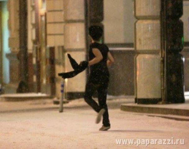П'яний Піт Догерті у футболці бігав по московському снігу