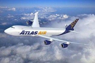 Під час польоту від Boeing 747 відвалився великий шматок фюзеляжу