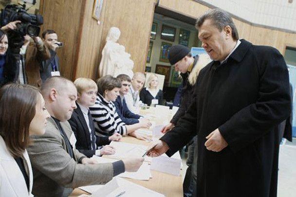 Кандидати у президенти віддали голоси